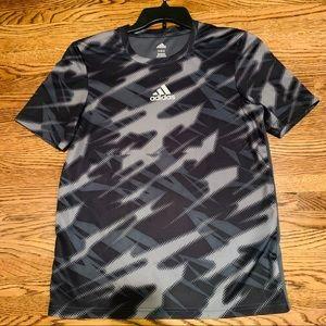 Adidas shirt 👕 👨👨👨👨👨